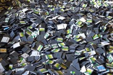 1406-19 1200 libras de juegos de Nintendo DS y 3DS